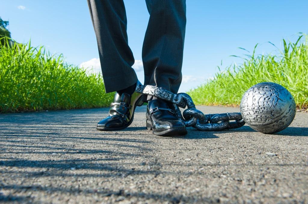 Боль в ногах при варикозе симптомы чем снять боль
