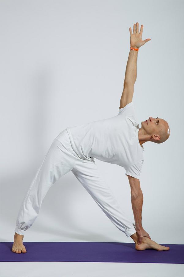 Йога при варикозе на ногах: комплекс упражнений