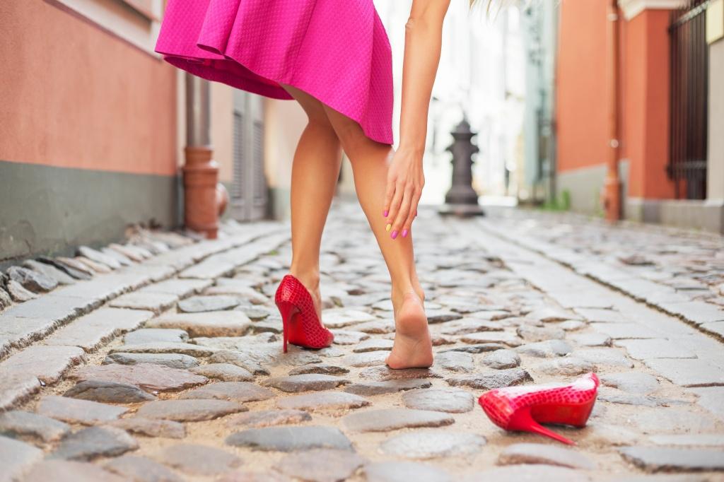 Как болят ноги при варикозе симптомы